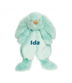 Forside Teddykompaniet Lolli Bunnies bamse/nusseklud med navn 2528 199,00kr. 199,00kr. 159,20kr. 159,20kr.